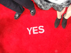yes_redcarpet