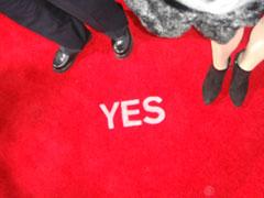 yes_redcarpet